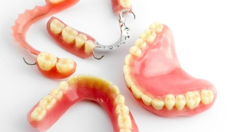 image of full and partial dentures | sartell mn