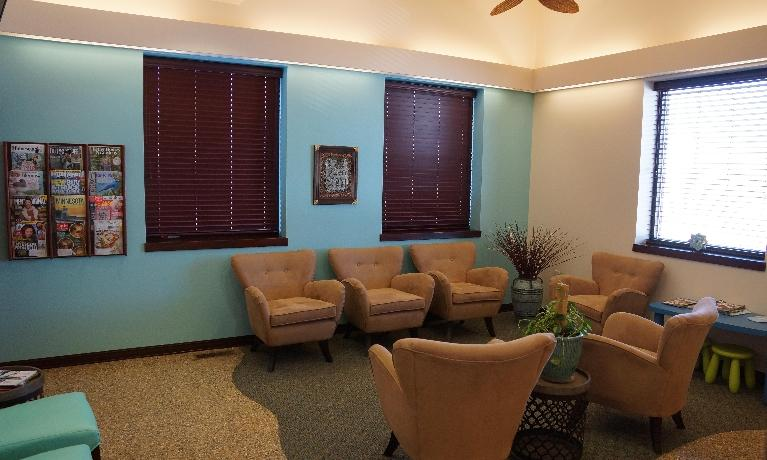 image of the waiting area at i-implant dentistry | sartell mn